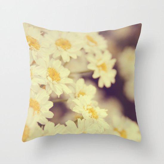Daisy Heaven Throw Pillow