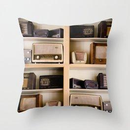 Vintage radio Throw Pillow