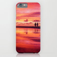 2 friends at the beach Slim Case iPhone 6s