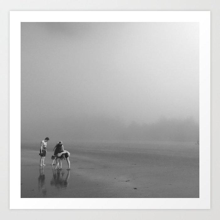 Tofino Beach Combing Kunstdrucke