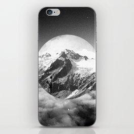 Cielo grigio e pungente iPhone Skin