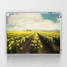 fields of daffodils Laptop & iPad Skin