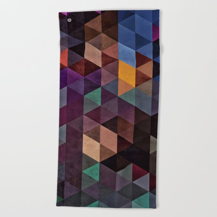 rhymylyk dryynnk Beach Towel