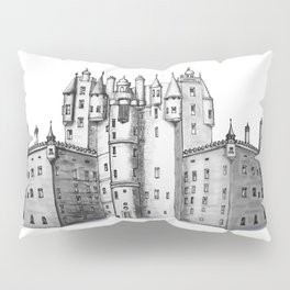 huge castle Pillow Sham