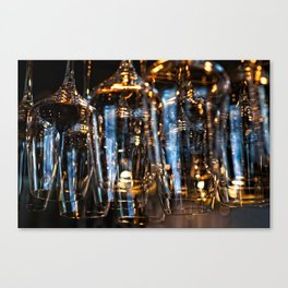 Play Of Light Of Wineglasses Canvas Print