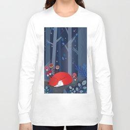 Little fox sleeps in the woods Long Sleeve T-shirt