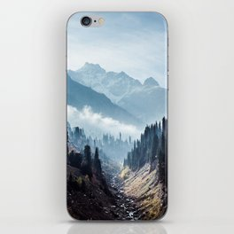 VALLEY - MOUNTAINS - TREES - RIVER - PHOTOGRAPHY - LANDSCAPE iPhone Skin