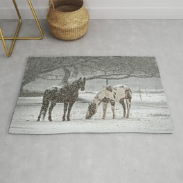 2 Horses under a tree in winter Rug