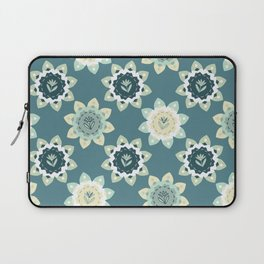 Blooming Flowers Daisy Style Seamless Pattern Laptop Sleeve