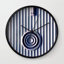 I'm looking for a center of gravity Wall Clock