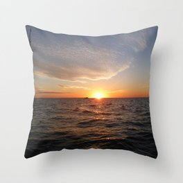 This is the life - Setting Sun , Hervey Bay Qld Throw Pillow