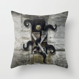 Agorafobia Throw Pillow