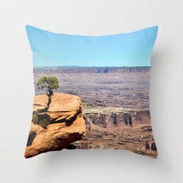 Solitary Juniper Tree, Dead Horse State Park Throw Pillow