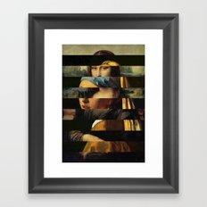 Mona und der Ohrring Framed Art Print