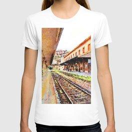 Catanzaro: train at the railway station T-shirt