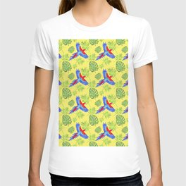watercolor tropical pattern parrot macaw yellow background T-shirt
