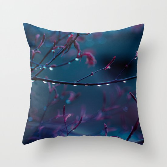 L'air du Temps Throw Pillow