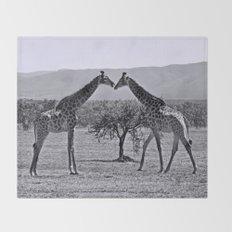 Giraffe talk Throw Blanket