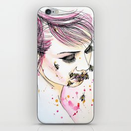 muzzle of bees iPhone Skin