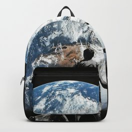 Approaching Ert Backpack