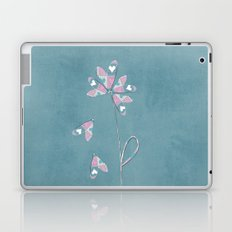 He loves me... he does not love me... he loves me! Laptop & iPad Skin