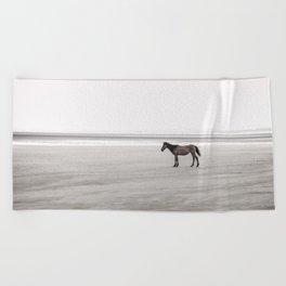 Horse a la playa Beach Towel
