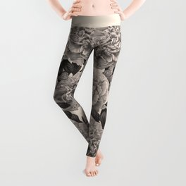 Flowers on a winter day Leggings