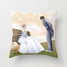 Demande en mariage Throw Pillow
