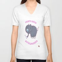 ellie goulding V-neck T-shirts featuring Ellie (German) by Mishell