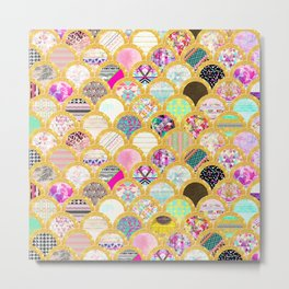 Modern Scallop Pattern Trendy Girly Gold Glitter Metal Print