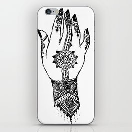Hand of delicacy. By Ane Teruel. iPhone Skin
