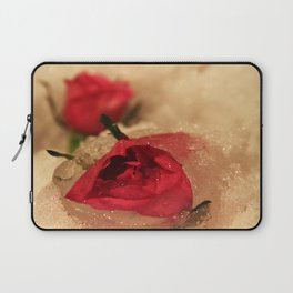 Frozen roses in the snow Laptop Sleeve