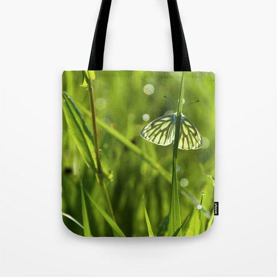 Butterfly in fresh morningmeadow Tote Bag
