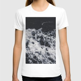 OCEAN - WAVES - SEA - ROCKS - DARK - WATER T-shirt