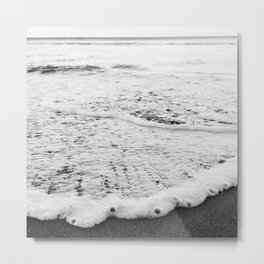 Rushing in - black white Metal Print