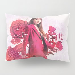 Lola with Roses Pillow Sham