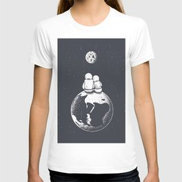 Astronaut Girl and Boy looks to Moon T-shirt