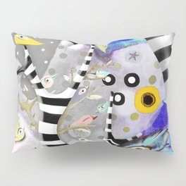 We gotta get away from here - Venzuela - BIRDS STRIPED TREE Pillow Sham
