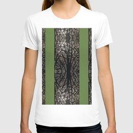 Gothic tree striped pattern green T-shirt