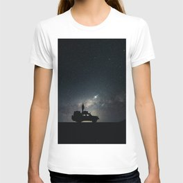 SILHOUETTE OF OFF-ROAD CAR T-shirt