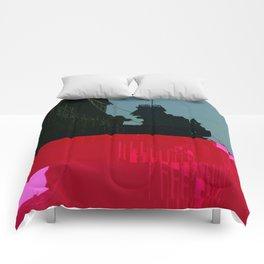 Trieste Glitch 01 Comforters