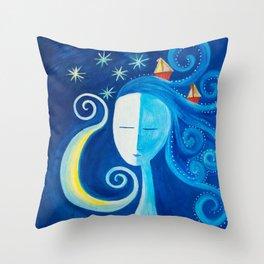 Mar en el cabello Throw Pillow