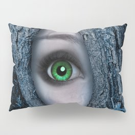Big green eye in a blue tree Pillow Sham
