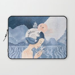 Sound of Sea Laptop Sleeve