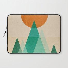 No mountains high enough Laptop Sleeve