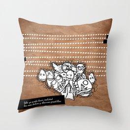 pesadillas Throw Pillow