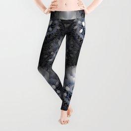 3D layers of mandala in blue-white-grey-black Leggings