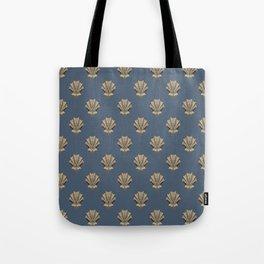 Clamshell design Tote Bag