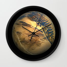 Globe20/For a round heart Wall Clock