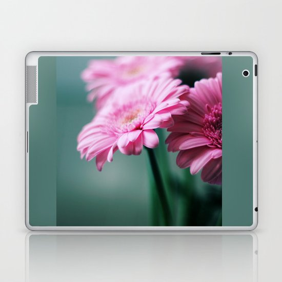 Pink Gerbera Dream°2 Laptop & iPad Skin